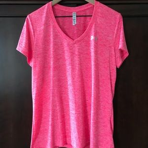 Under Armor Women's Large Tee Shirt